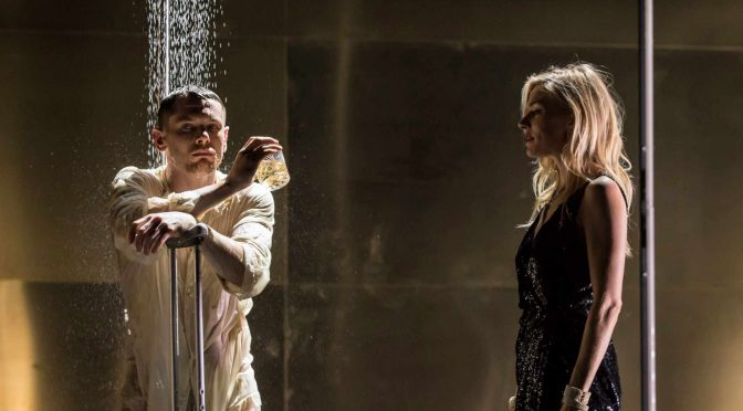 """""""Cat on a Hot Tin Roof"""" at the Apollo Theatre"""