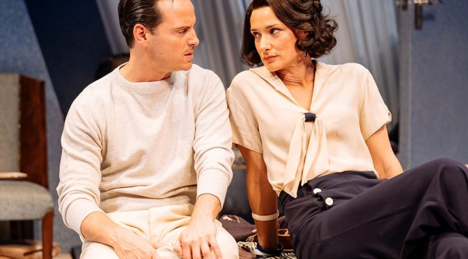 """""""Present Laughter"""" at the Old Vic"""