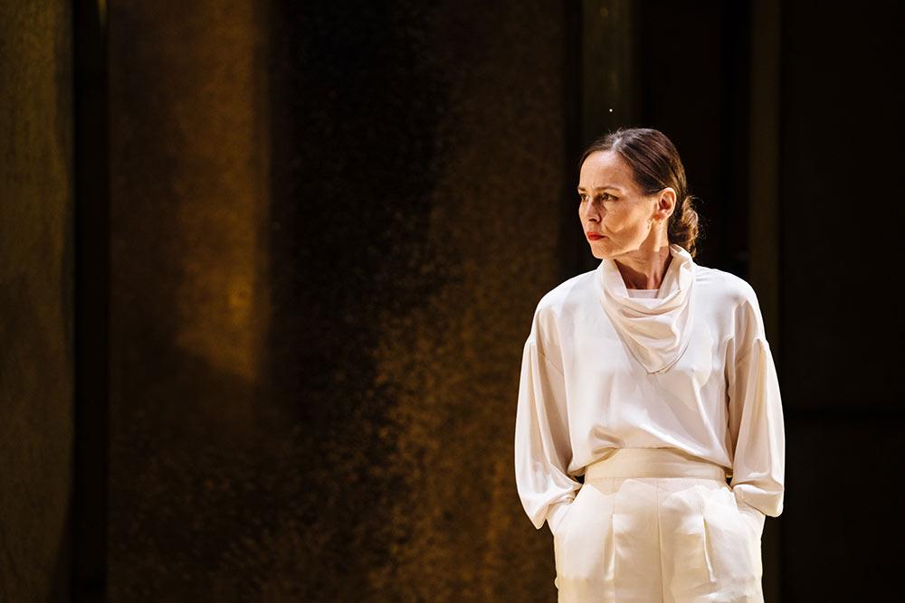 Tara Fitzgerald in Hamlet credit Helen Murray